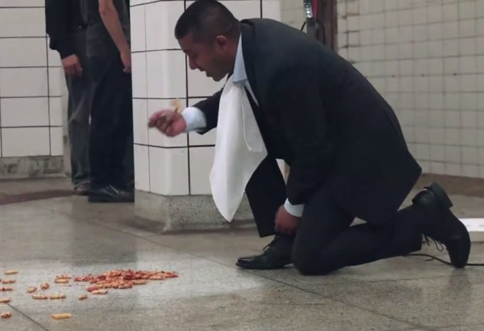 Viral videos: Bissell Symphony Subway